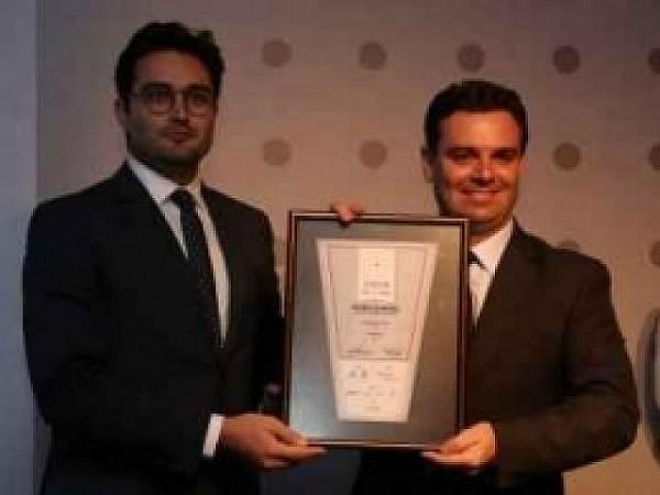 Prefeito recebeu as premiações concedidas a Florianópolis. Foto: Laureci Cordeiro